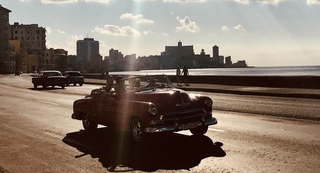 Atardecer en el Malecón de La Habana
