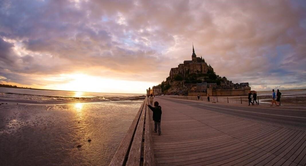 Monte Saint Michel, Francia atardeciendo
