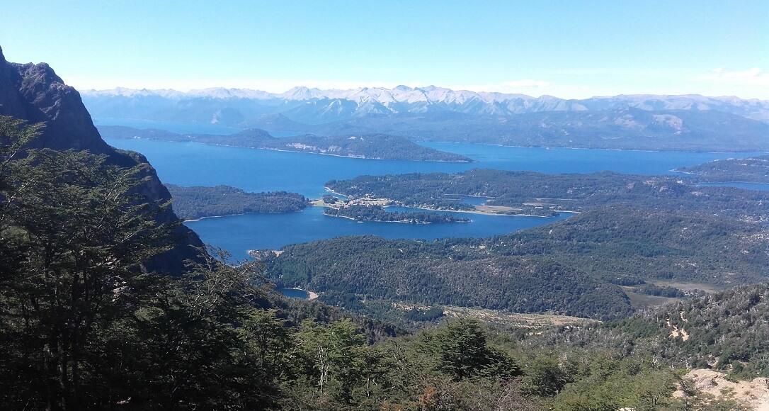 Vista de lagos desde cerro