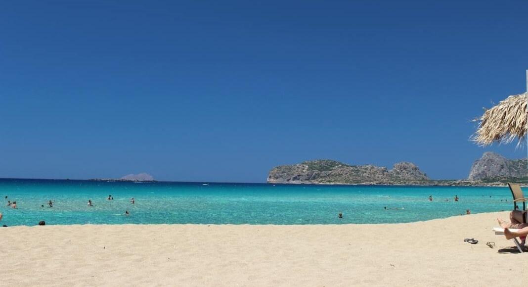 Playa en Creta, Grecia dentro de los 9 destinos que no te pueden faltar en tu itinerario de Europa