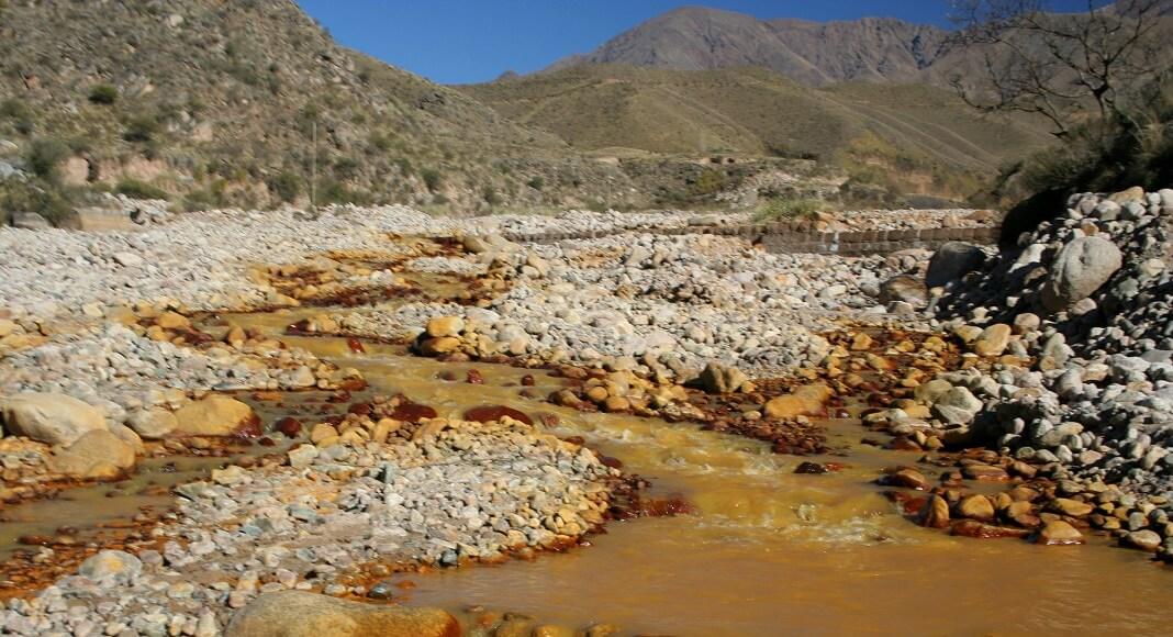 Río dorado en Cañón del Ocre