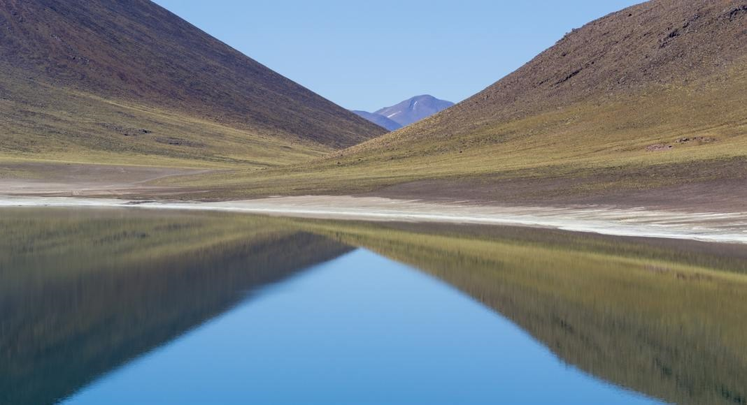 Lago en San Pedo de Atacama, Chile dentro de los 5 playas cálidas.