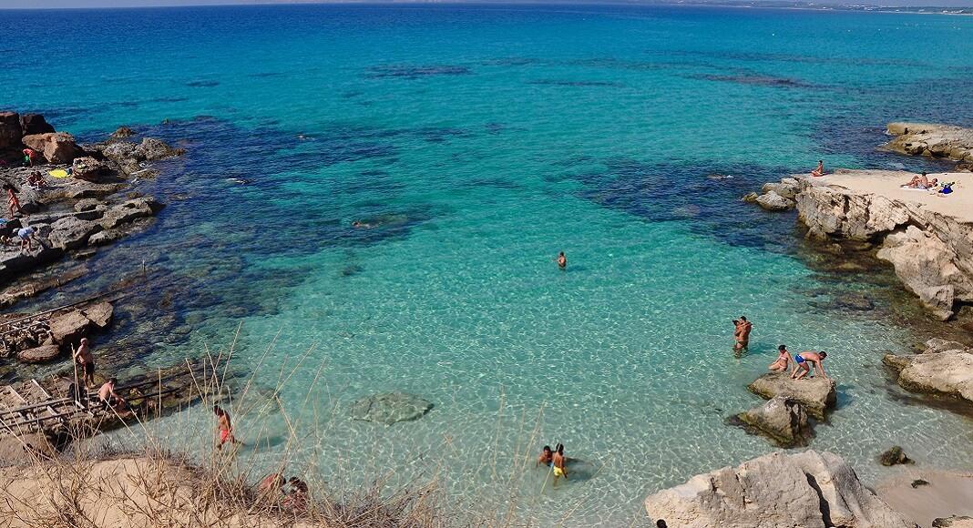 Playa de Es Cavallet. ¡Playas nudistas más famosas!